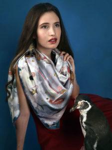 201808_Fiona-K_silk-scarf_whale-watching_h_4