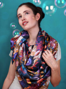 201808_Fiona-K_silk_scarf_Gorgeous_fish_d_4